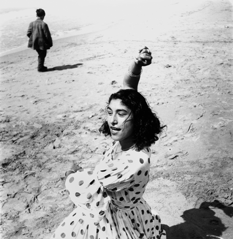 draga_en_robe__a_pois_stes_maries_de_la_mer_1957